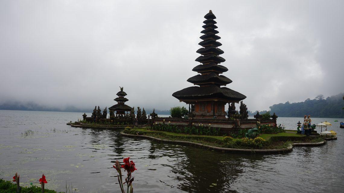 Temple Ulun Danu, Bali, Ile des Dieux, Indonésie, Asie, voyage, blues hivernal