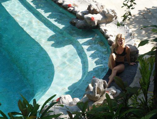Bali, Ubud, piscine, eau turquoise, bikini, maillot de bain, voyage, blog, vitaminsea.fr
