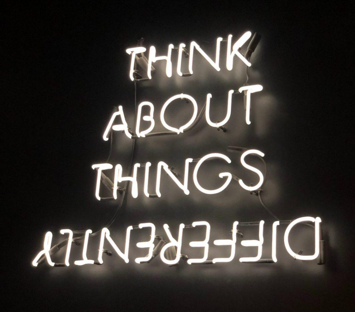 think differently, infj, mbti, personnalité, type, psychologique, test, photo noir et blanc